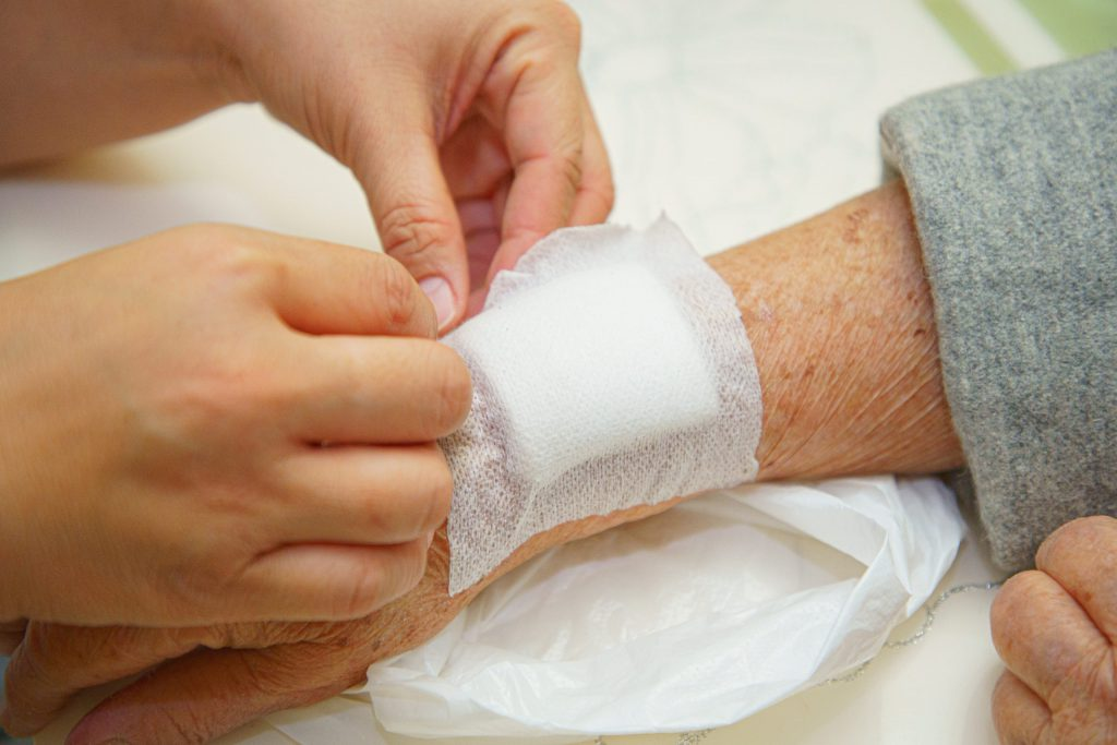 How to Change a Wound Dressing